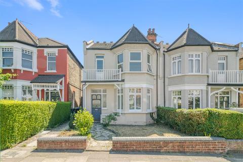 2 bedroom flat for sale - Ulleswater Road, Southgate, London N14