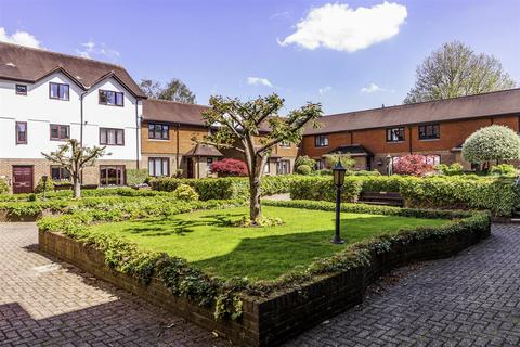 2 bedroom apartment for sale - The Avenue, Tadworth