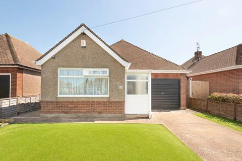 2 bedroom detached bungalow for sale - Freda Close, Broadstairs