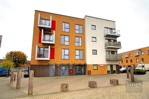 2 bedroom apartment to rent - Runnerstone Court, N18