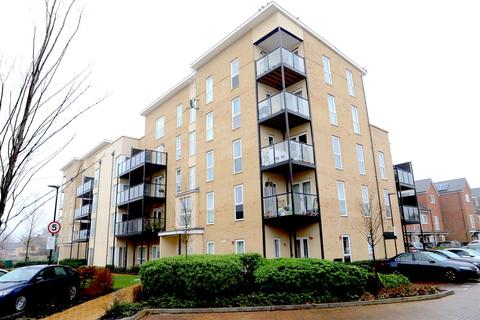 1 bedroom in a house share to rent - Fairlands Court Hunting Place, Hounslow