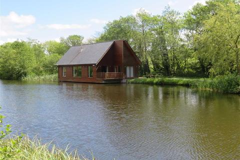 1 bedroom chalet for sale - Anglesey Lakeside Lodges, Llandegfan, Anglesey