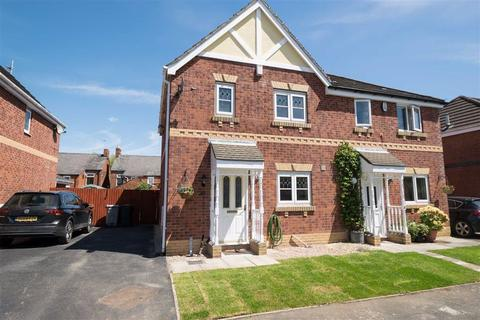 3 bedroom semi-detached house for sale - Fernleigh Close, Middlewich, Cheshire