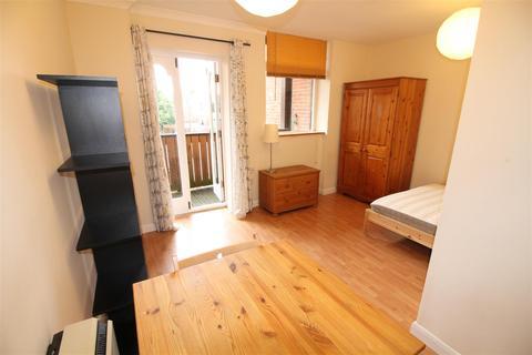 Studio to rent - The Galeb, Leen Court,Lenton, Nottingham