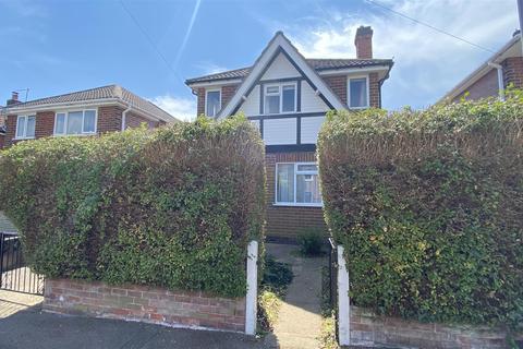 3 bedroom detached house for sale - Laburnum Grove, Kingsway, Derby