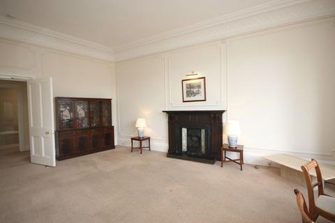 3 bedroom flat to rent - Drumsheugh Place, Edinburgh
