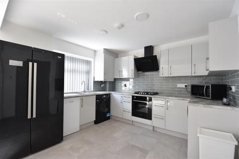 5 bedroom end of terrace house to rent - Birmingham,