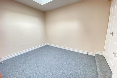 1 bedroom flat to rent - Flat 2 316/318 Beverley Hull