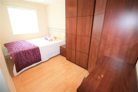 House share to rent - Ruffle Close, West Drayton