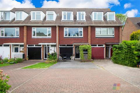 3 bedroom terraced house for sale - COMMUTING CONVENIENCE | Turners Mill Road, Haywards Heath