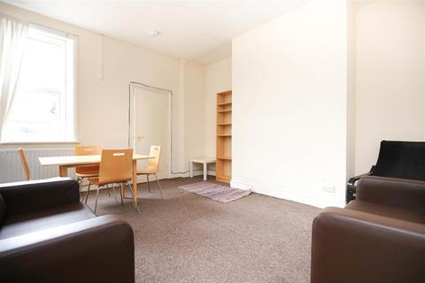 3 bedroom flat to rent - Bayswater Road, Jesmond, NE2