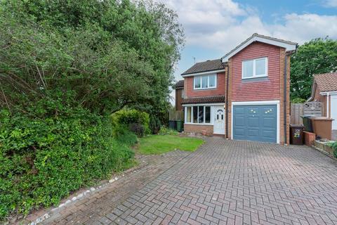 3 bedroom detached house for sale - Teal Crescent, Basingstoke