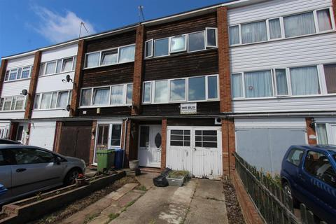 3 bedroom townhouse to rent - Wykeham Road, Sittingbourne
