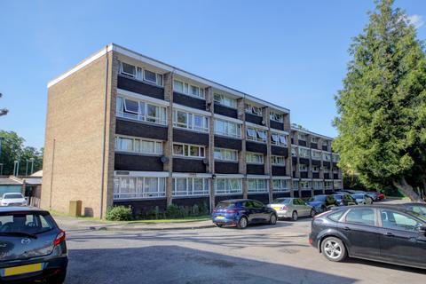 3 bedroom flat for sale - Oxford Gardens, N21