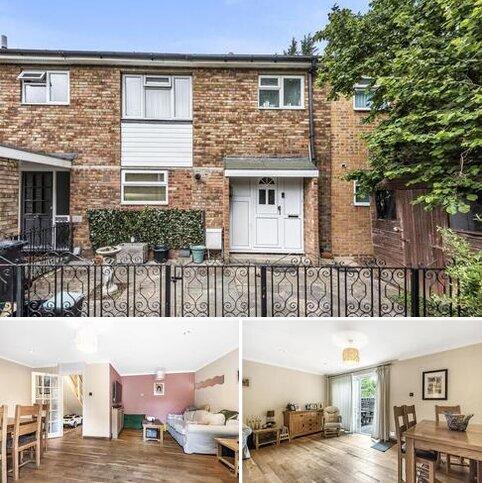 4 bedroom semi-detached house for sale - Eastwell Close, Beckenham