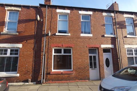 3 bedroom terraced house to rent - Tweed Street, Hebburn, Tyne and Wear, NE31 1XP