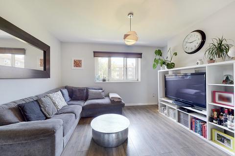 2 bedroom flat to rent - Ellen Wilkinson House, Usk Street, London, E2