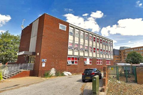 Studio to rent - Kingsway, Bedford MK42 9BB