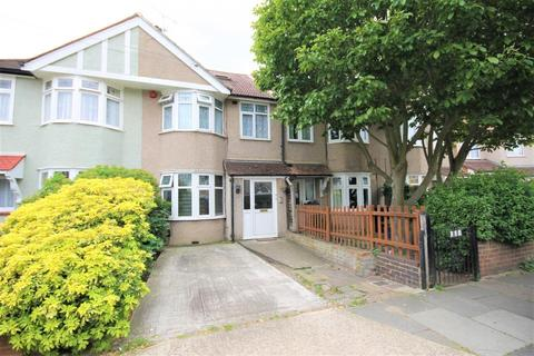 4 bedroom terraced house to rent - Rochester Avenue, Feltham, TW13