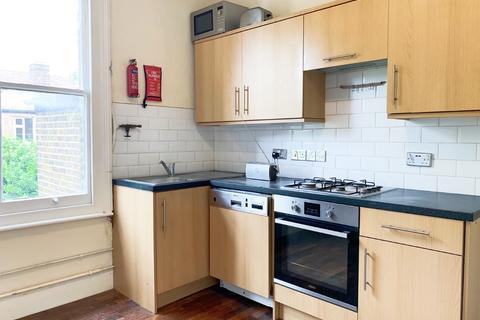 3 bedroom flat to rent - Grafton Road, Acton, London, W3