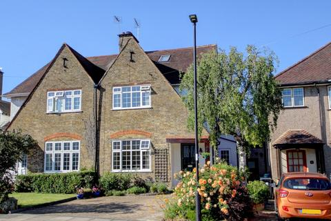4 bedroom semi-detached house for sale - Sherbrook Gardens, N21
