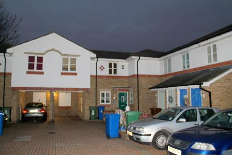 3 bedroom property to rent - Sherwood Gardens, , London, SE16 3JA