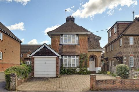 3 bedroom detached house to rent - King George Avenue, Petersfield