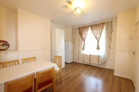 2 bedroom terraced house to rent - Prince Regent Lane, London