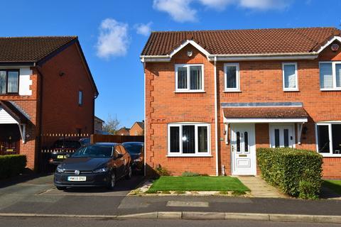 3 bedroom semi-detached house to rent - Kerscott Road, Manchester, M23