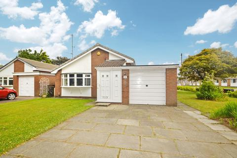 2 bedroom bungalow to rent - Enfield Close, Bury,