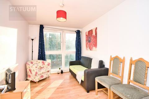 4 bedroom maisonette to rent - Solebay St, Off Mile End Road, London, E1