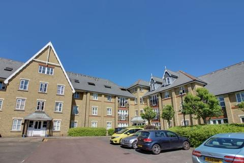 2 bedroom flat for sale - Gater Drive, Enfield