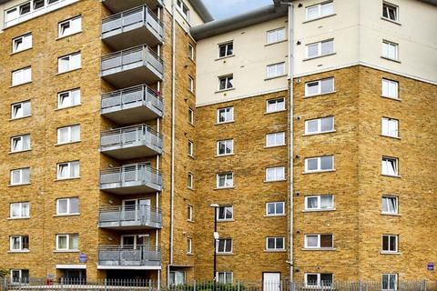 2 bedroom flat to rent - Augustine Bell Tower, Bow E3