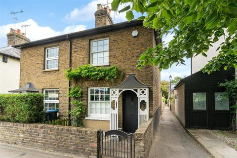 2 bedroom end of terrace house for sale - Chase Side, Enfield, EN2