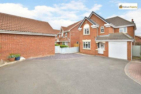 4 bedroom detached house for sale - Peregrine Grove, Meir Park, Stoke-on-Trent, ST3