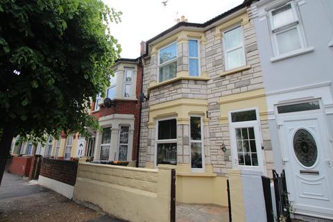 3 bedroom terraced house for sale - Streatfeild Avenue, East Ham, London, E6