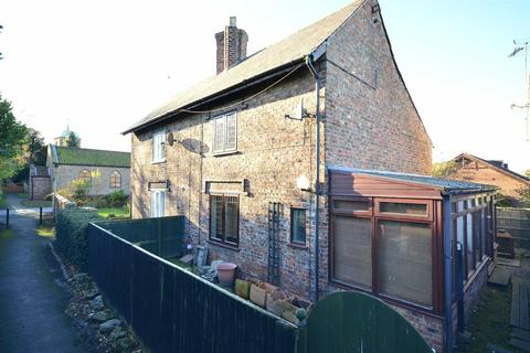 2 bedroom cottage for sale - Church Walk, Barmby On The Marsh, Goole