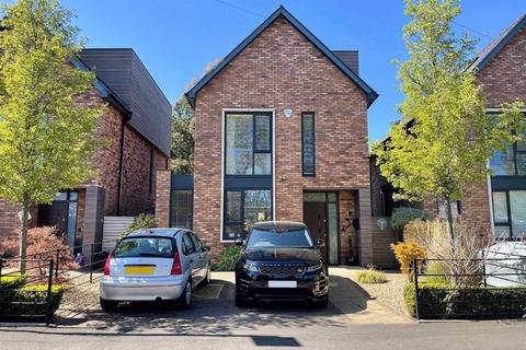 4 bedroom detached house for sale - Milton Drive, Timperley, Cheshire
