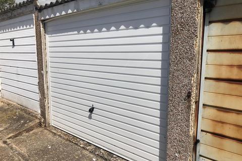 1 bedroom garage for sale - Torridge Close, Worthing