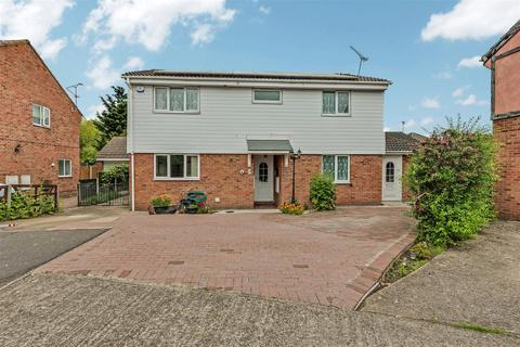 5 bedroom detached house for sale - Goldhanger Close, Rayleigh