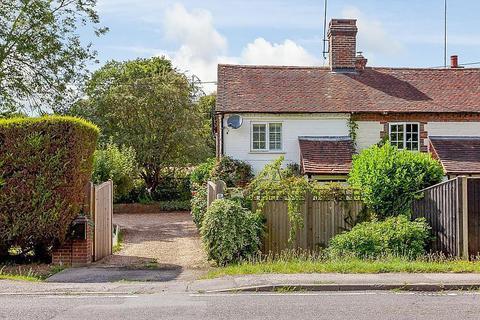 2 bedroom semi-detached house for sale - Petworth Road, Chiddingfold, Godalming, GU8