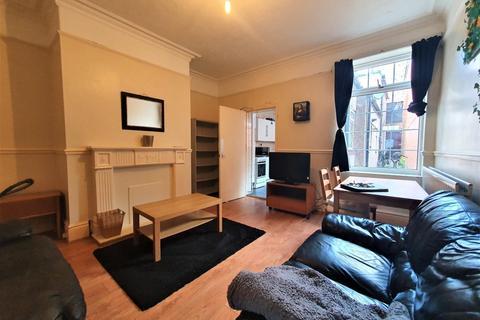 5 bedroom terraced house to rent - Lynwood Terrace, NEWCASTLE UPON TYNE NE4