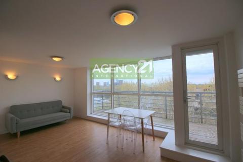 2 bedroom flat to rent - Sweden Gate, London, SE16