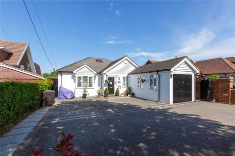 6 bedroom detached bungalow for sale - Village Green Avenue, Biggin Hill, Westerham, Kent, TN16
