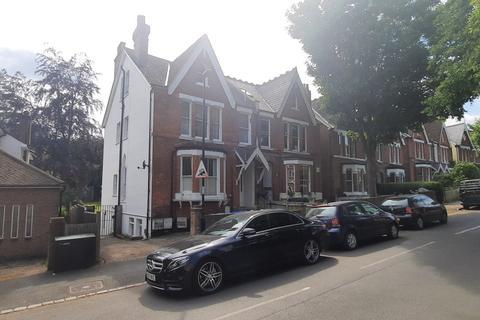 2 bedroom flat to rent - 44 Fox Hill,  London, SE19