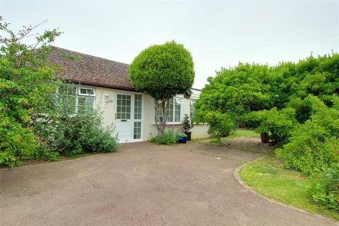 2 bedroom bungalow for sale - Ocean Drive, Ferring, Worthing, BN12