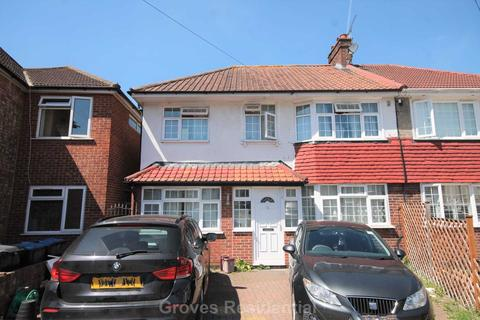 1 bedroom in a house share to rent - Highbury Close, New Malden