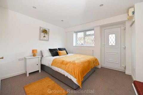 1 bedroom in a house share to rent - Villiers Close, Surbiton