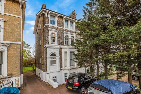 1 bedroom flat for sale - Shooters Hill Road, Blackheath