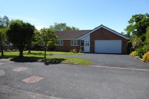 4 bedroom bungalow to rent - Well Mead Lane,